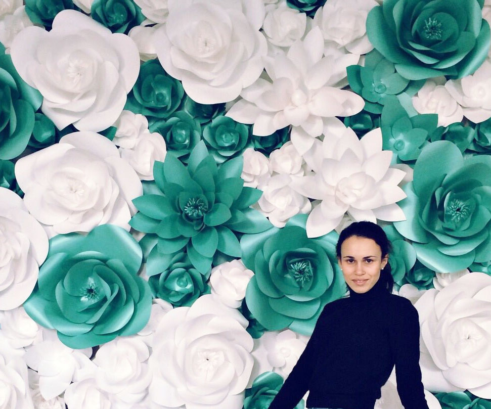Giant Paper Flowers Backdrop 1